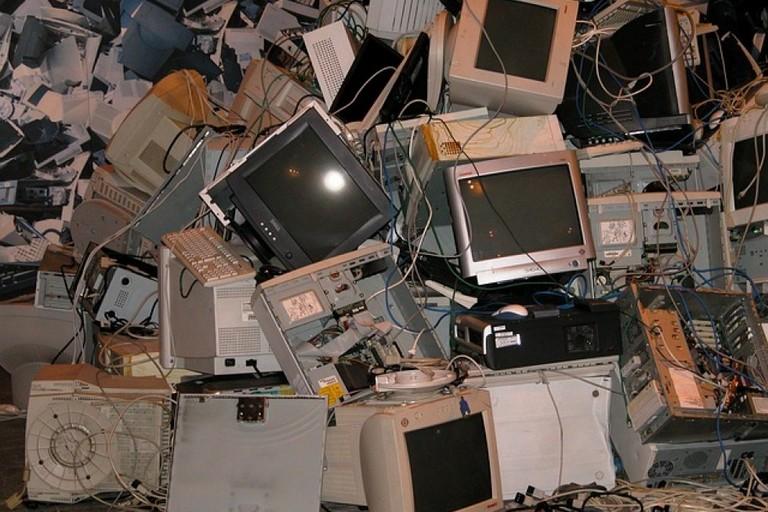 Rifiuti di apparecchiature elettroniche, raccolta in calo nella BAT