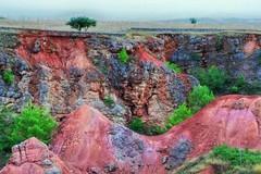 Una troupe inglese del National Geographic alla miniera di bauxite di Spinazzola