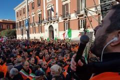 I Gilet arancioni chiamano a raccolta i parlamentari della Puglia