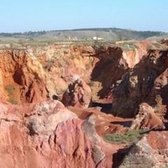 La scoperta della cava di bauxite quando l'avventura costruisce coesione
