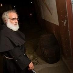 Padre Nicola benedice il neopresidente Sergio Mattarella