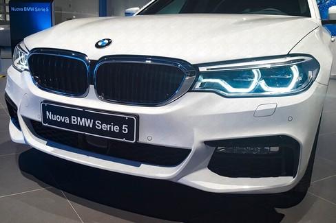 """Unica Srl presenta in anteprima la nuova  """"BMW Serie 5 Touring """""""