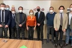 Vaccini, la Puglia schiera anche gli odontoiatri per somministrare le dosi