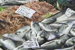 Consumi, aumenta la domanda di pesce nelle festività ma occhio alla provenienza
