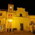 La torre civica di Spinazzola si tinge di rosso per ricordare i donatori di sangue